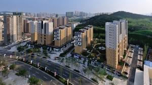 In Dream Town, een nieuwe wijk van Qingdao, ontwierp Contexturearchitects het Amsterdam Block. Het woonblok heeft een oppervlakte van 40.000 m2 en bestaat uit 358 appartementen, parkeergarages, winkels en openbare ruimte.