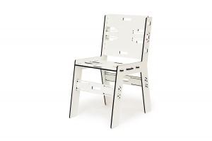 De Clic Chair van Pelikan bestaat in diverse materialen en modellen.