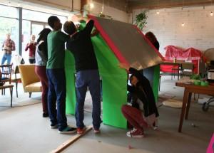 Voor het project 'Placemaking Waterlandplein' in Amsterdam Noord onderzoekt, ontwerpt en bouwt Placemakers met de leerlingen van het Bredero Lyceum een tijdelijk podium als ontmoetingsplek, een voorloper voor een definitief podium in 2013.