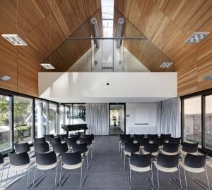 Ook binnen hebben de architecten een hoge mate van abstractie nagestreefd. Foto: René de Wit