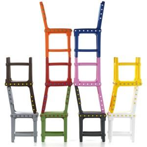 De Gothic Chair die Studio Job ontwierp voor de VIP-lounge van het Groninger Museum was er niet geweest als het Nederlandse succeslabel Moooi niet had geïnvesteerd in de mallen voor het rotatiegieten.