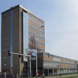 Voor het voormalige kantoor van Fluor- Schuytvlot in Haarlem maakte Locus een plan voor herontwikkeling tot woningen.