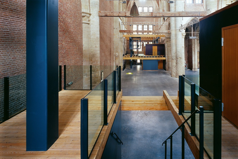Nieuw leven in lege kerken for Interieur nederland