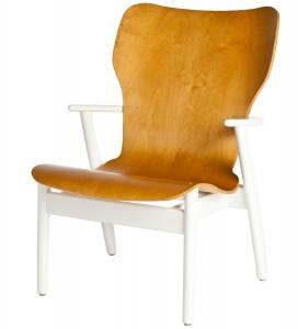 Domus Lounge chair van de Finse ontwerper Ilmari Tapiovaara voor Artek.