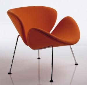 Artifort heeft veel ontwerpen van Pierre Paulin heruitgebracht, hier model Orange slice.