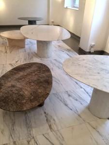 Solid Patterns, marmeren tafels van Scholten & Baijings. 11. Wood-Skin, een idee van vier jonge Italiaanse ontwerpers: houtfineer, gelijmd op een nylon mat, wordt gelaserd in een geometrisch patroon