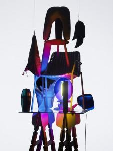 De collectie van het Franse designlabel Moustache met fluorescerende stoeltjes en spiegelende discolampen