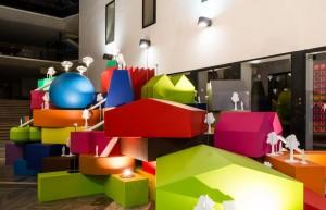 De meubelcollectie Vertical city van MVRDV is geïnspireerd op typologieën van gebouwen.