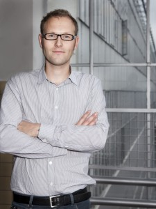Architect Reimar von Meding in de Rotterdamse vestiging van KAW in de Van Nellefabriek. Foto: Marieke Kijk in de Vegte