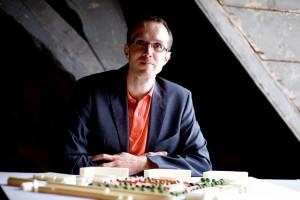 Jörgen Haring heeft samen met Robert Noordegraaf het architectenbureau FORM • Foto Irene van Kessel.