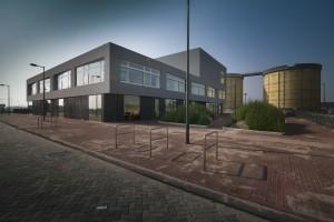 Het Integraal Kindcentrum op het Zeeburgereiland in Amsterdam. Foto: Studioninedots
