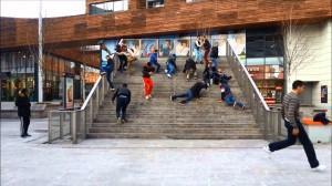 De tribunetrap van Ira Koers in het stadshart van Almere leidt nergens toe, maar is wel populair