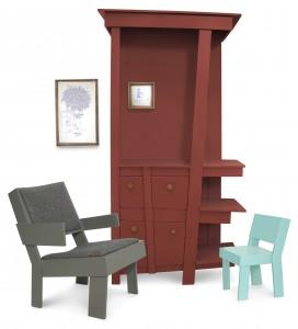 FURNITURE, collectie meubels van berkenmultiplex. Zelfs het patroon van de stoffering op de loungestoel is scheef. De 'reststukken' van de stroken hout gebruikt de ontwerper voor bijzettafels.