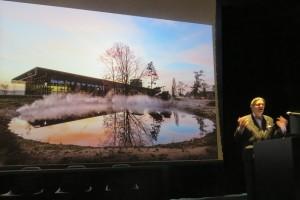 Paul van Vlijmen, directeur Stichting Defensie Musea met op de achtergrond het NMM in nevelen - Foto Jacqueline Knudsen