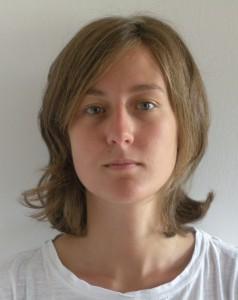 Marta Rota volgde haar Bachelor studie Architectuur aan Polytechnische Universiteit in Milaan en voltooide in 2014 haar Masteropleding Architectuur aan de TU in Delft met haar onderzoek en ontwerp voor het World Elephant Centre in Tanzania.