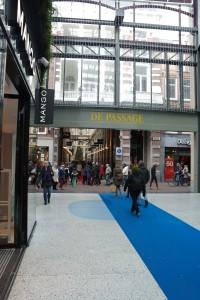Aansluiting nieuwe en oude passage in de Spuistraat.