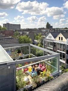 14. Bart Cardinaal en Nadine Roos van HUNK Design en hun dochter Twila. Foto: Thijs Wolzak