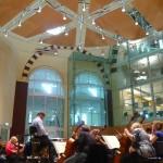 Van Stigt: 'Het gaat bij een kerk niet om de zijbeuken, maar om die grote centrale ruimte', in de Majellakerk in Amsterdam hergebruikt als repetitieruimte van het Nederlands Philharmonisch Orkest.