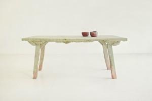 Table 1/7 (2012) Tijdens haar opleiding aan de Royal College of Art kregen de studenten een tafel van Ikea met de opdracht er een andere tafel uit te maken. Van Aubel maakte vanwege de opschuimende eigenschappen van dit hout in combinatie met biohars maar liefst zeven tafels.