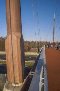 Botterbrug Harderwijk. Ontwerp ZJA . Geïnspireerd op de maritieme historie van Harderwijk. Won in 2014 de FSC keten-award . Foto John Lewis Marshall