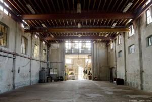 Het schip is lang in gebruik geweest als fabriek, toen is ook de tussenvloer aangebracht.