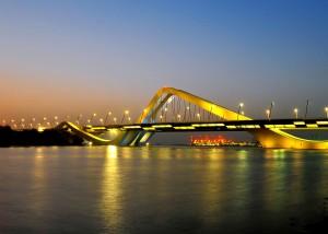Sheikh Zayed Bridge, Abu Dhabi. Hollands Licht i.s.m. Zaha Hadid