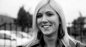 Laura Zuidgeest werkt als conceptontwikkelaar bij ERA Contour en volgde daarnaast de tweejarige deeltijdopleiding Master of Urban and Area Development. Zij studeerde onlangs af en behaalde haar mastertitel op basis van haar onderzoek 'Effecten van de deeleconomie op de samenleving en op wonen'.