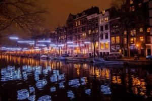 Vriendschap tijdens Amsterdam Light Festival