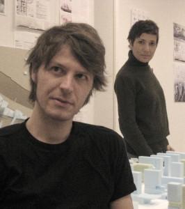 Architecten Andrea Bertassi en Cristina Cassandra Murphy leerden elkaar kennen bij het Office for Metropolitan Architecture en vormen sinds 2009 samen Xcoop, dat internationaal opereert vanuit Rotterdam.
