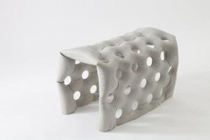 Studio Remy &  Veenhuizen, Soft Moulding: betonnen bankje voor Nijntjeshuis. Foto Centraal Museum Utrecht / Adriaan van Dam