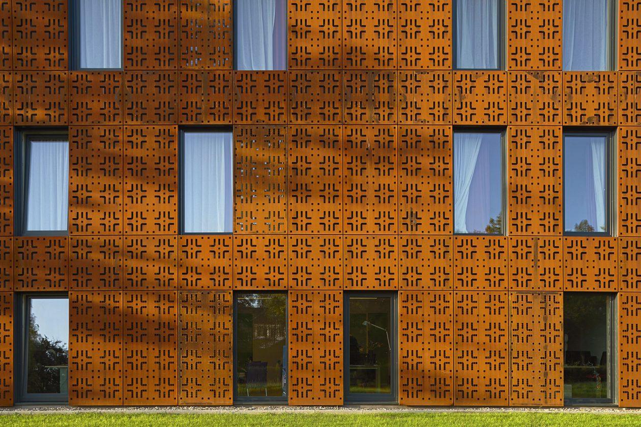 Stoer en fluweelzacht met cortenstaal - Architectuur staal corten ...
