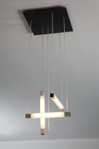 Rietveld, Gerrit Thomas  (Utrecht 1888 - Utrecht 1964) Hanglamp ca.1922 hout, triplex, glas. Foto: Ernst Moritz