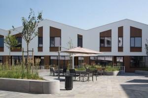 Woonzorgplein Eltheto in Rijssen 2by4 architects - De Roef aan het plein
