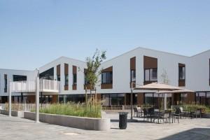 Woonzorgplein Eltheto in Rijssen 2by4 architects - de Roef huisvestin en dagopvang verstandelijk gehandicapten met dementie