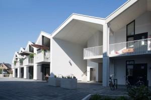 Woonzorgplein Eltheto in Rijssen 2by4 architects - seniorenappartementen Het Landvast