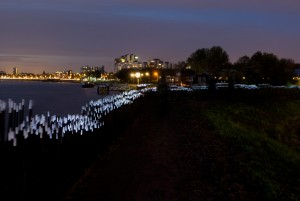 Dune, interactief landschap aan de Maas Rotterdam, 2009, ontwerp Daan Roosegaarde