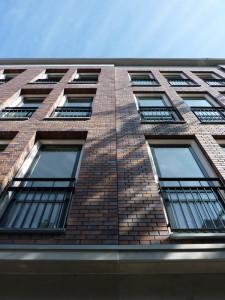 Gevelfragment woningbouw Govert Flinckstraat in de Pijp in Amsterdam. HP architecten