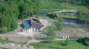 Bij het Buitencentrum zijn voorzieningen voor natuurbeleving en buitenspelen, zoals een klimbos.