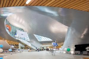 De transithal, licht en transparant, van het nieuwe Centraal Station Arnhem, ontworpen door UN Studio, Ben van Berkel