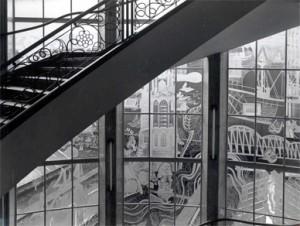 Originele stalen ramen met glaskunst van Copier trappenhuis Bankkantoor Coolsingel