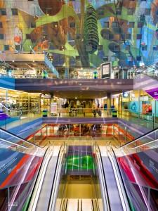 Explosie van kleur in de veelgeprezen Markthal in Rotterdam, architect MVRDV