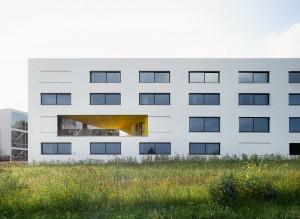 Eerstegraadsgebouw voor de tuinbouwschool 'de Wijnpers', Leuven (2010-2014) Architect: OFFICE Kersten Geers David Van Severen • Foto Bas Princen