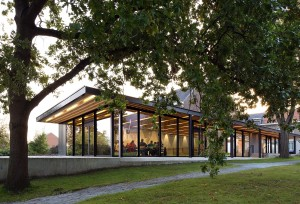 Ontmoetingscentrum, Moorsel (2011-2014) Architect: De Kort Van Schaik i.s.m. Sophie Van Noten / Van Noten • Foto Filip Dujardin