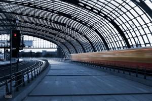 Glazen dak in staalconstructie in de