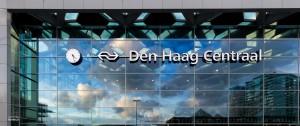 Buitenkant van het geheel vernieuwde centraal station in Den Haag