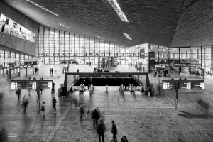 Hal in het centraal station in Rotterdam
