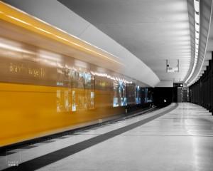 Dynamische lijnen in de ondergrondse bij de Brandenburger Tor in Berlijn