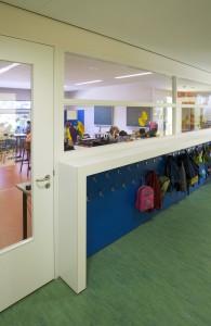 Gang en klaslokaal