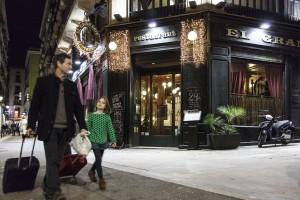 Het rijk versierde decor en de inrichting van restaurant El Gran Café ademt in alles de sfeer van het Belle Epoque