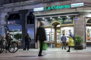 Snoepwinkel La Colmena is tegelijkertijd snoepwinkel, toeristische trekpleister en gastronomische hotspot in de oude stad. De winkel is sinds zijn opening in 1849 beroemd om zijn handgemaakte karamels